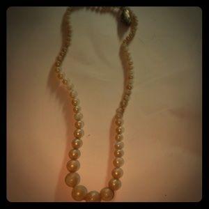 Vintage faux pearl ? Necklace